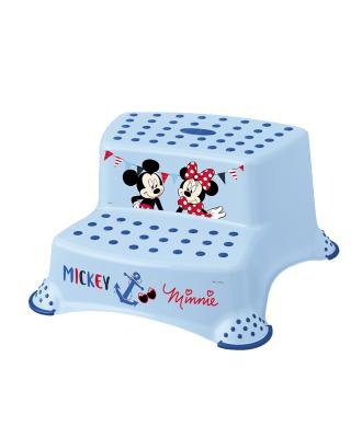 Le double tabouret Mickey PLASTIMYR de la collection Disney facilite l'accès à l'évier et aux toilettes.Maroc